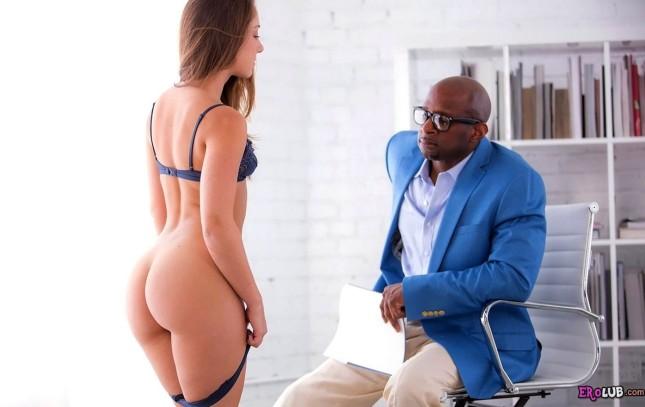 Remy любит межрасовый секс