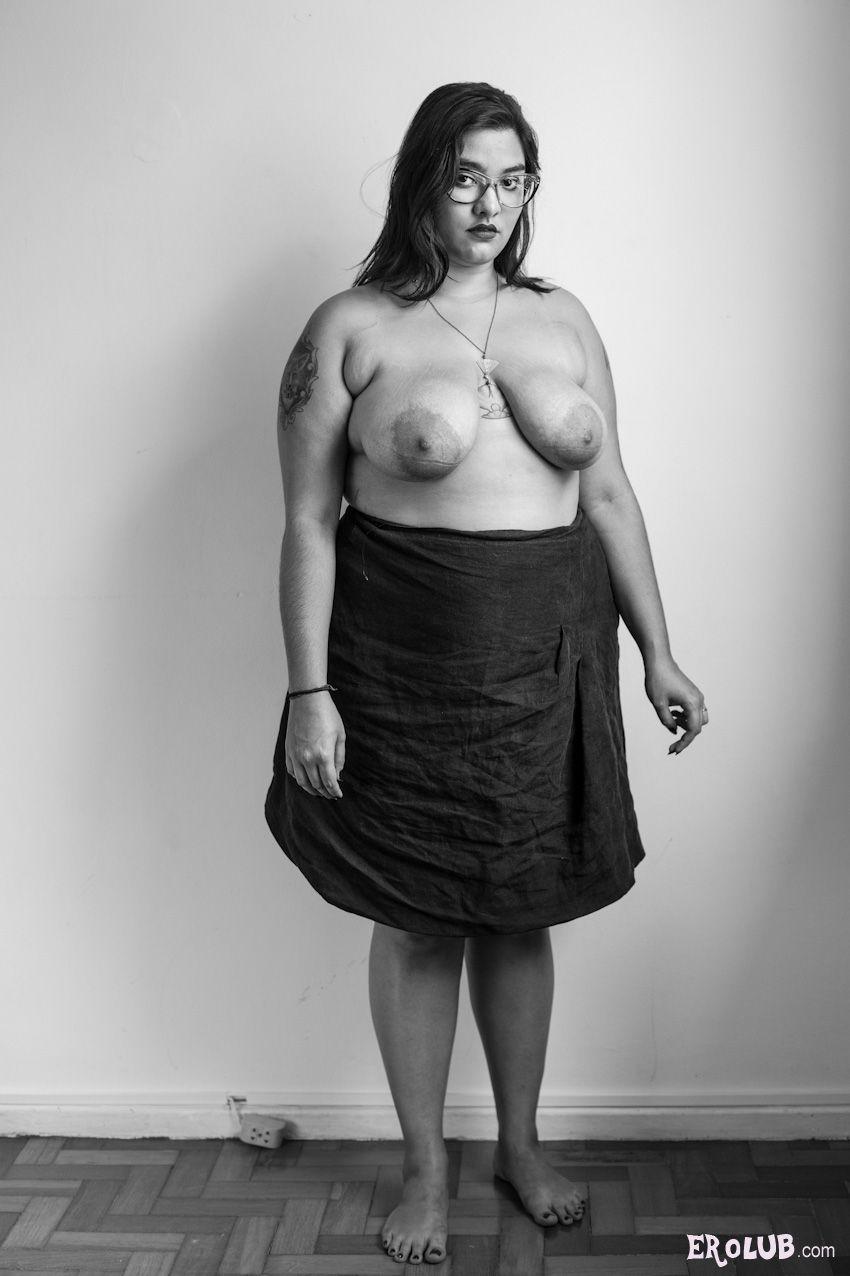 Голые женскиефигуры