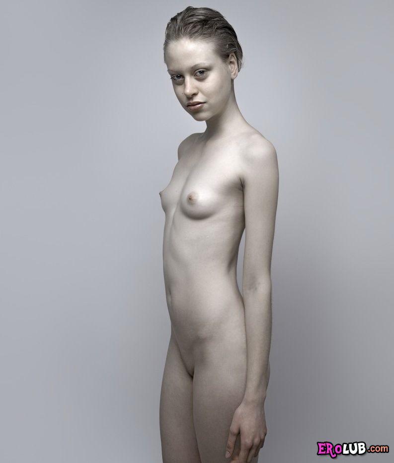 Фото голых молодых девушек бесплатно эротические