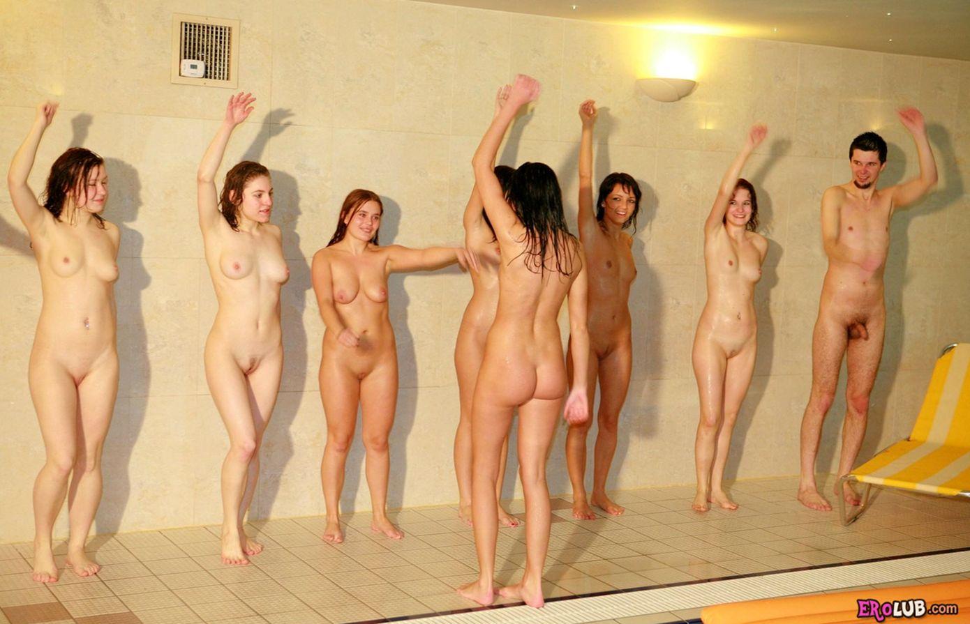 Фото трех голых девчонок 16 фотография