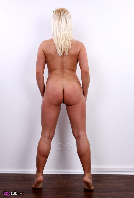 фото голых женщин вид с зади