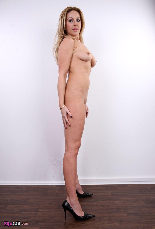 Фото голых блондинок ростом маленькие 29 фотография