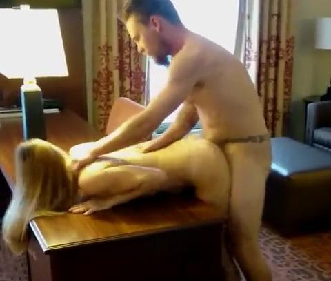 новые порно секс раком на столе