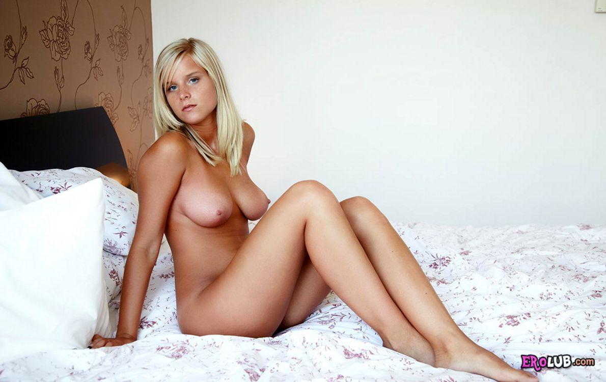 Секс в постели большие члены 21 фотография