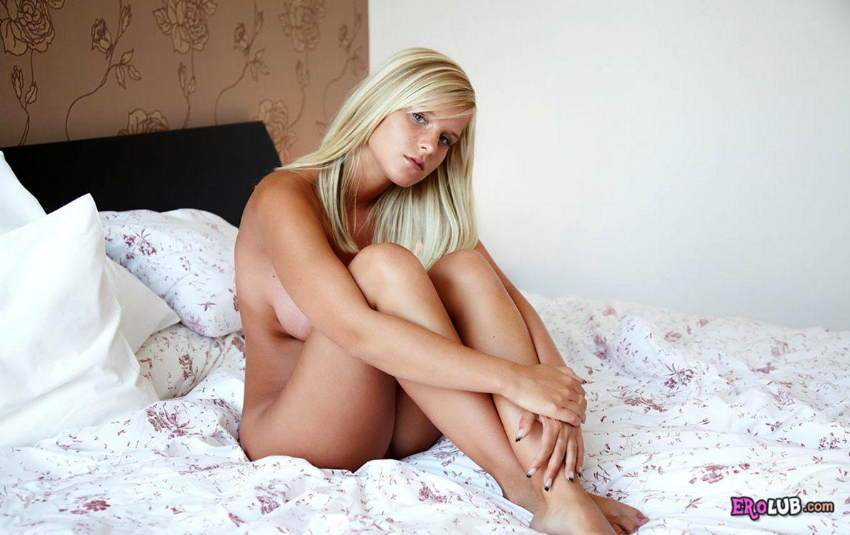 Мастурбирует Бесплатный секс смотреть онлайн порно видео HD