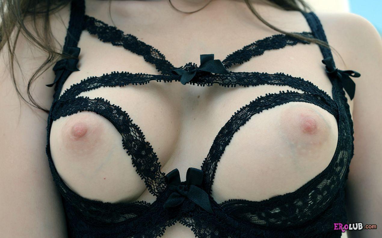 Качественная эротика на грани порно попки девушек письки