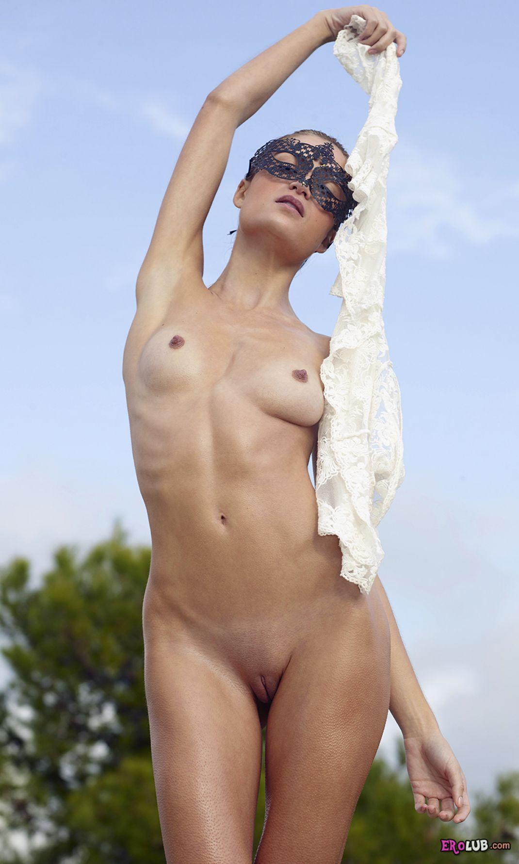 в колготках  смотреть фото голых девушек бесплатно