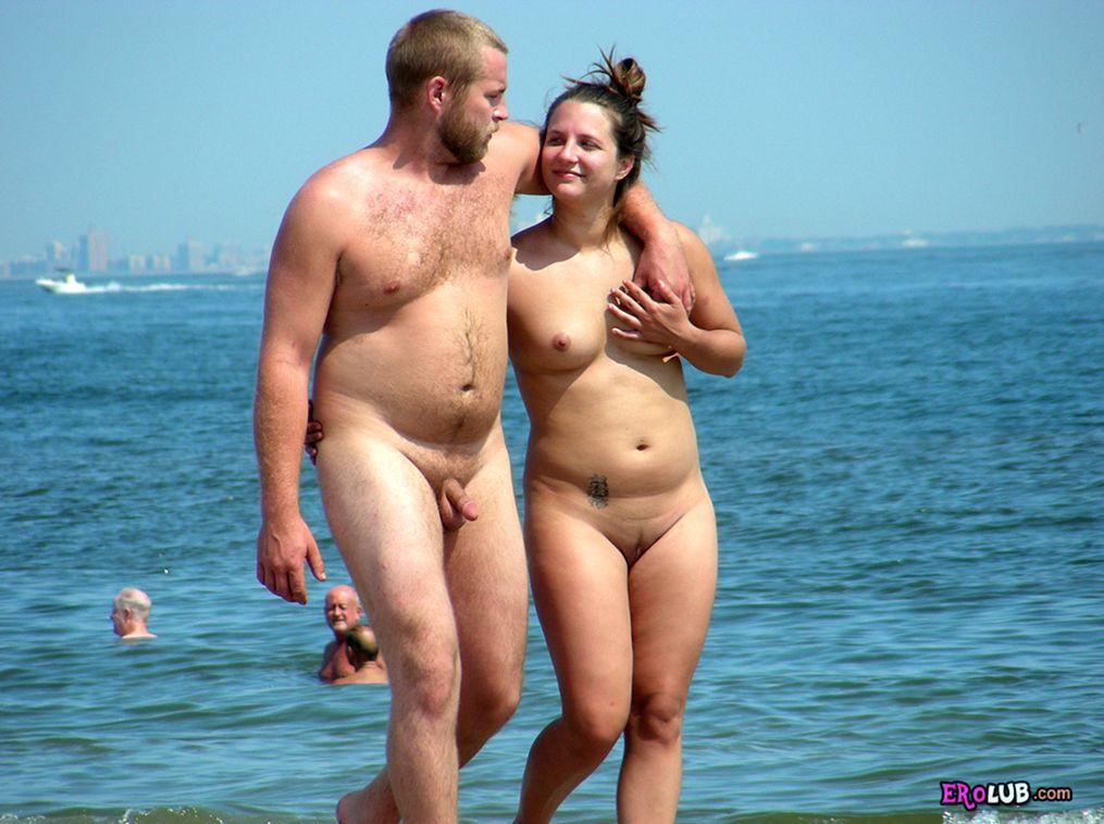 смотреть фильм нудисты на пляже