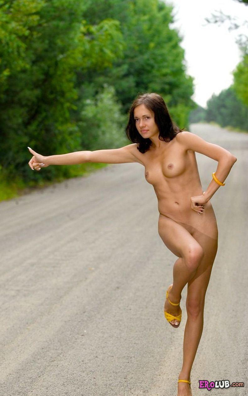 порно девушка голосует на дороге