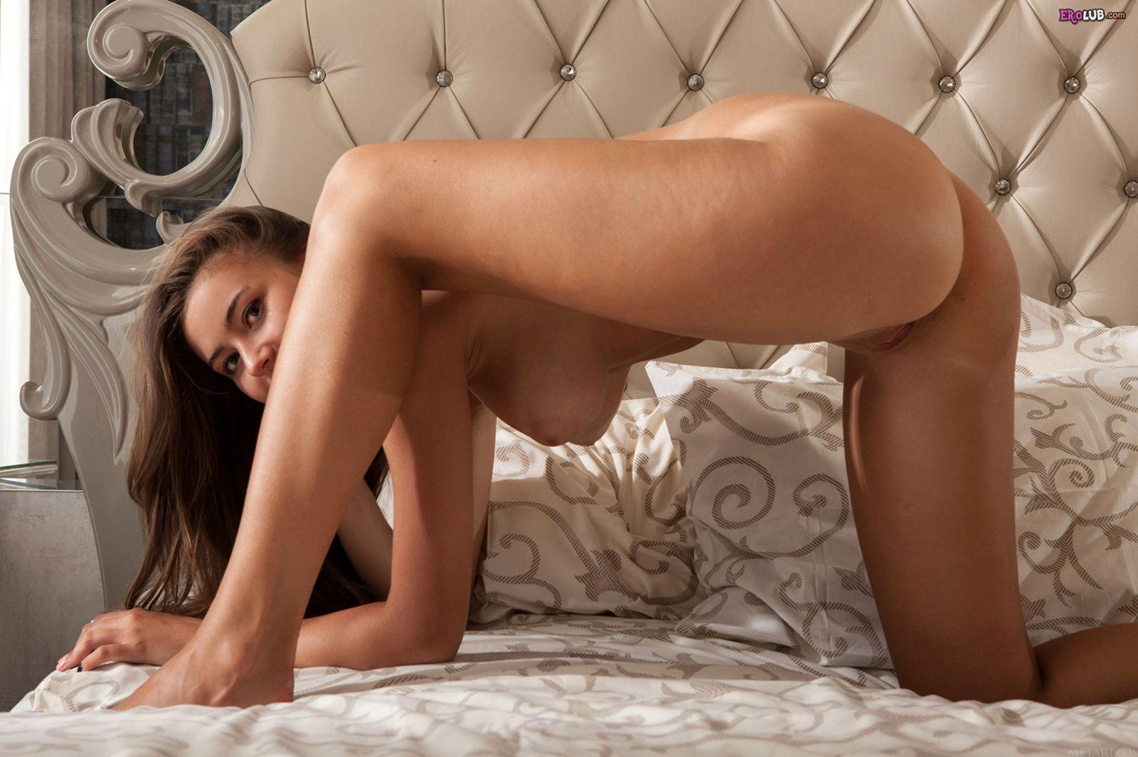 фото голые девушки в пастели