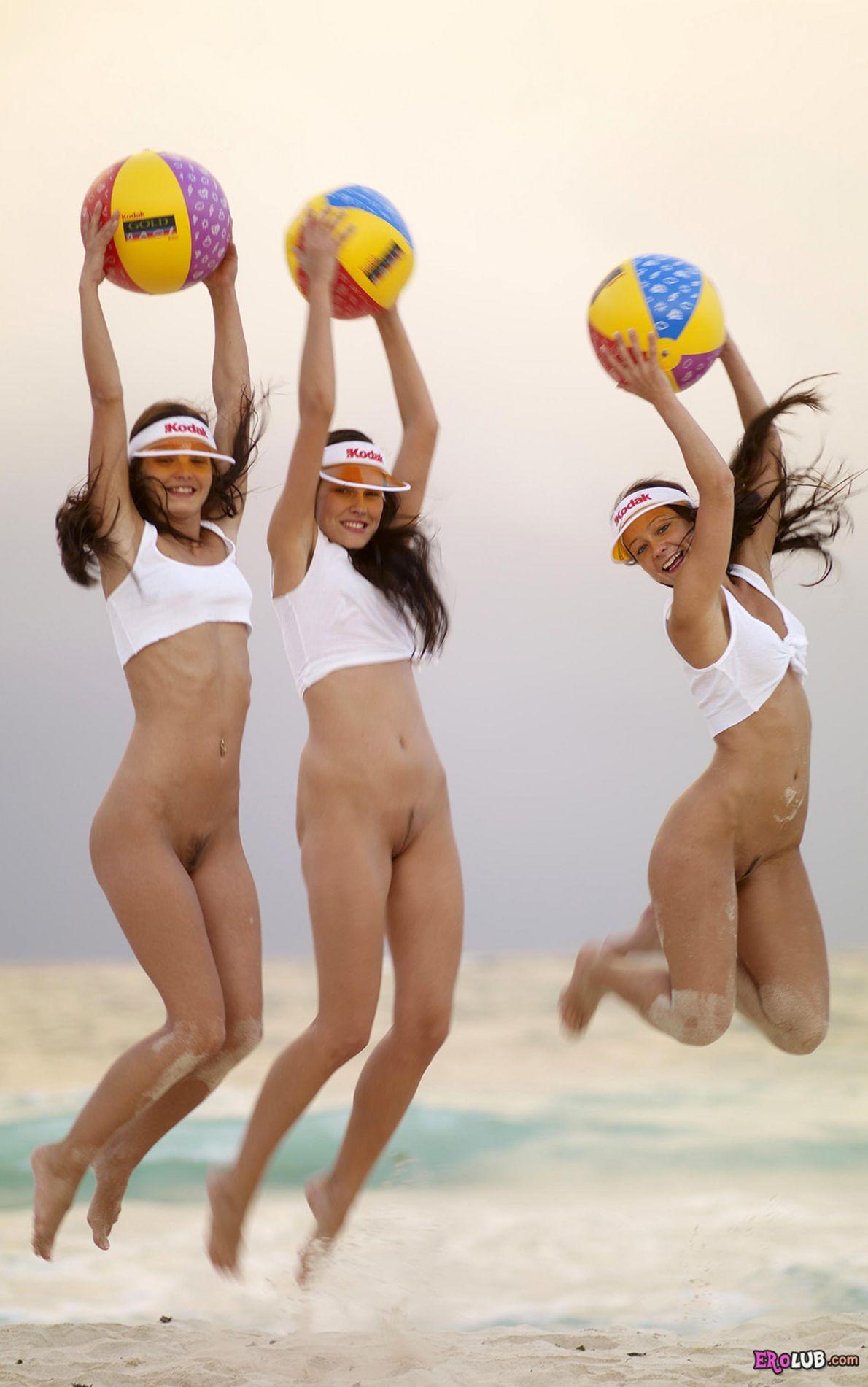 Слова... супер, пляжный волейбол ню