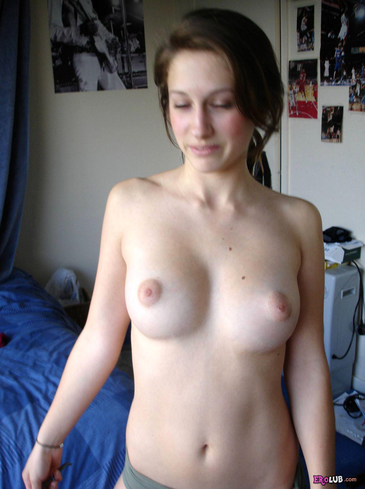 Киски девушек  красивые голые киски женщин крупно