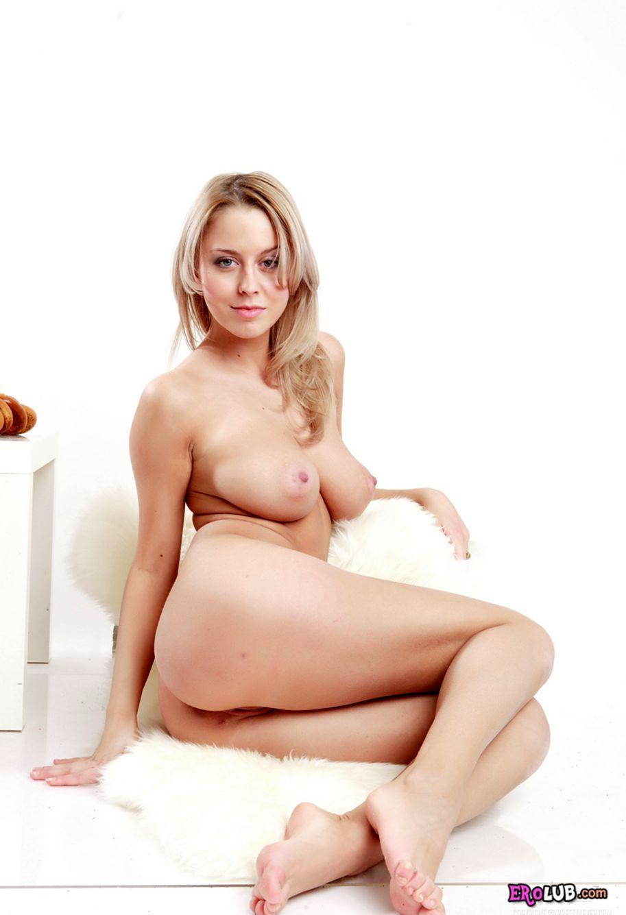 секс большие сиськи азиатки с молоком