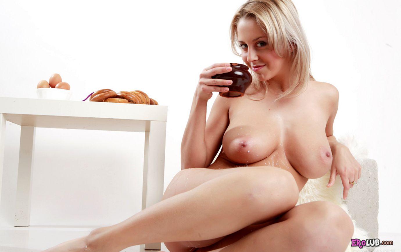 Молоко  Бесплатное порно Большие Сиськи  BOOBSa