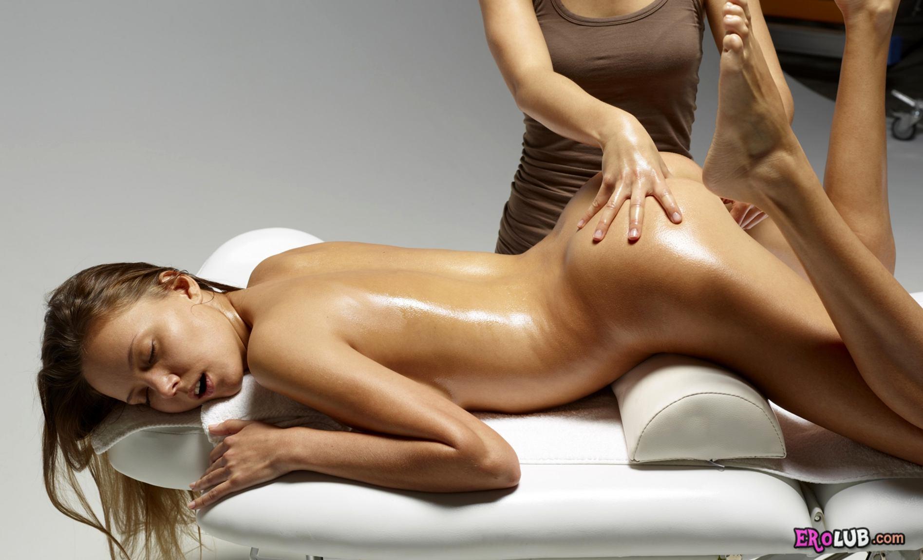 видео эротический массаж с маслом