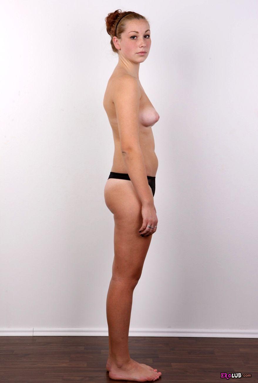 Скромная девушка на секс кастинге 24 фотография