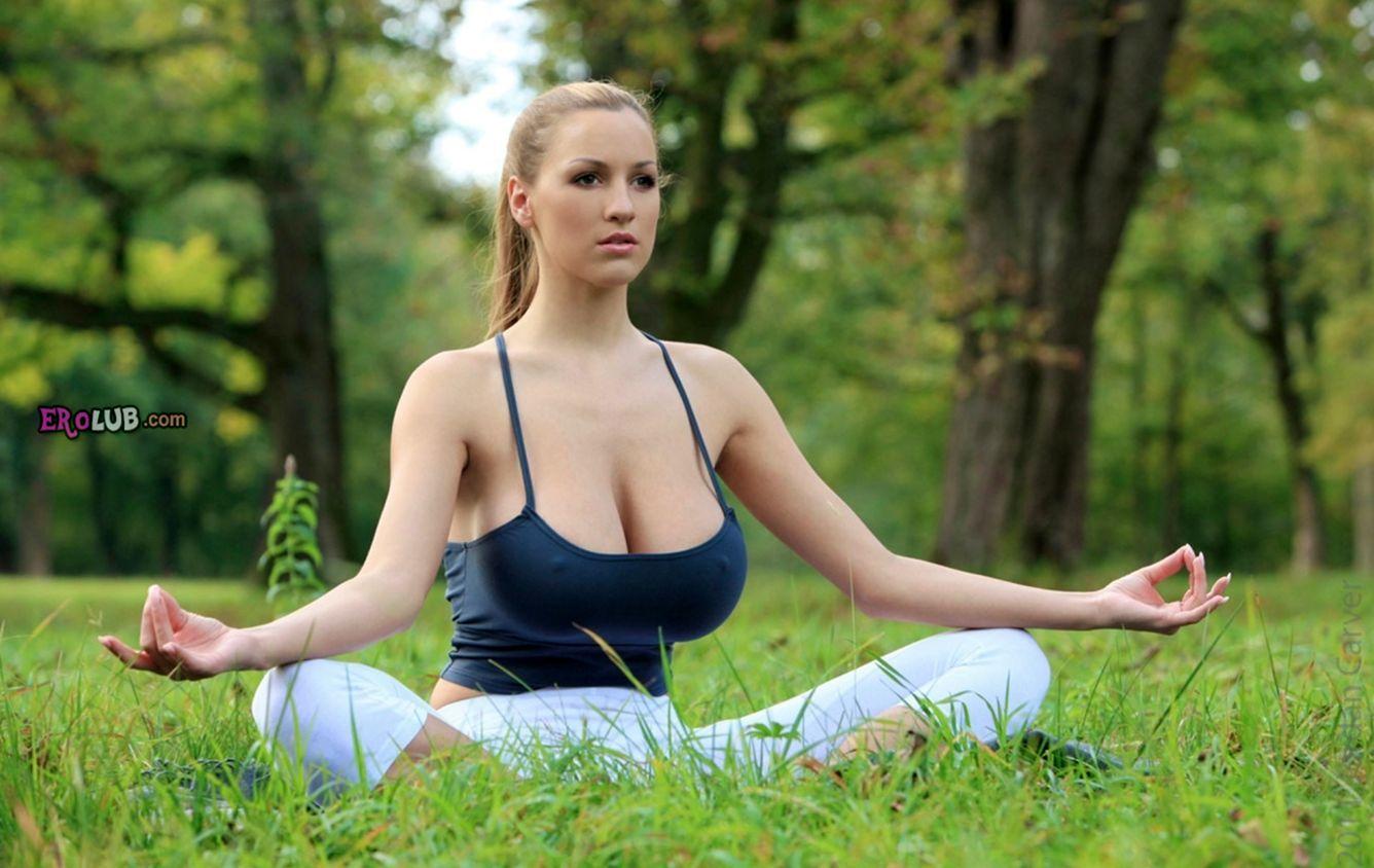Йога с большими сиськами
