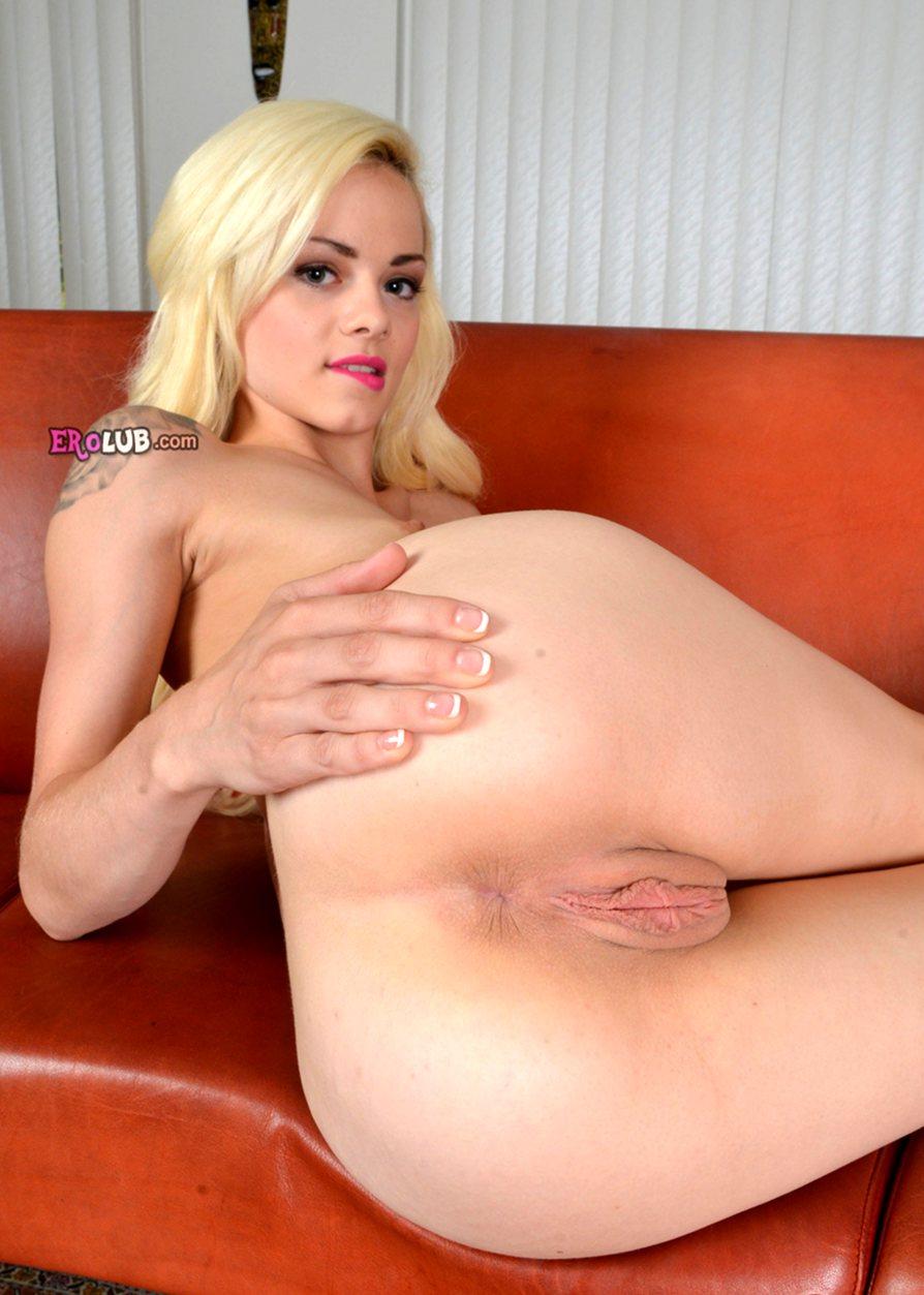 блондинку с большая грудью трахают